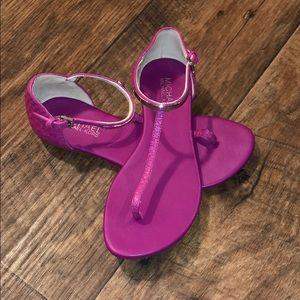 💕Lightly worn MK sandals! 💕